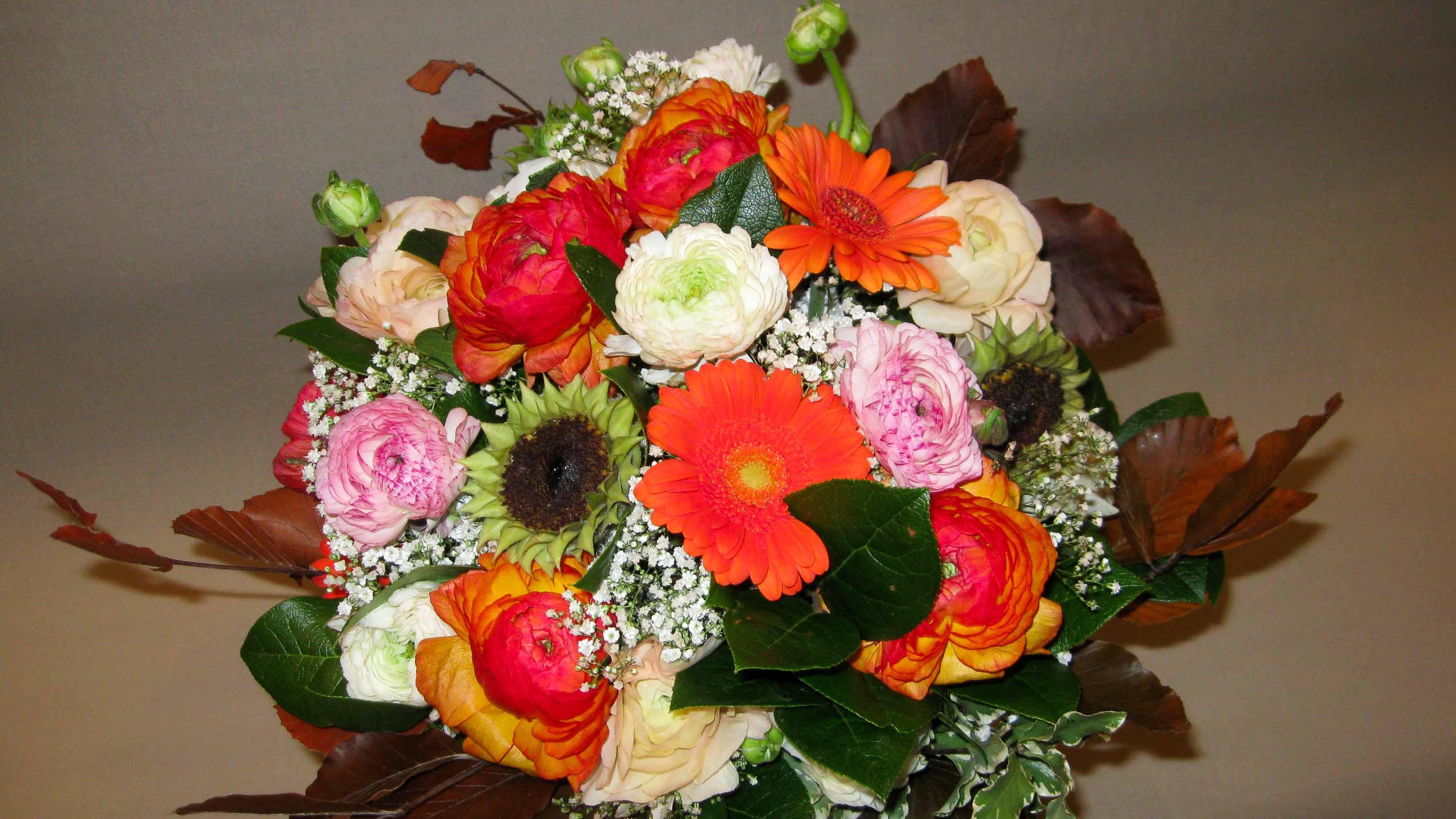 Come curare i fiori recisi di Fioristi a Milano centro - piazza san babila - Piazza del tricolore – duomo